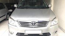Cần bán Toyota Innova 2.0E đời 2012, màu bạc. Xe cực tuyển