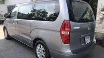 Cần bán xe Hyundai Starex MT sản xuất năm 2014, màu bạc