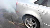 Vì sao xe hơi thải ra khói trắng?