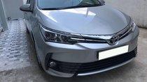 Cần bán gấp xe Toyota Corolla Altis 1.8E màu bạc, số tự động, đời 2017