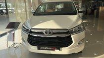 Bán Toyota Innova 2.0V 2019, màu trắng ngọc trai mới, giá cạnh tranh
