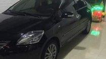 Cần bán xe Toyota Vios đời 2013, màu đen