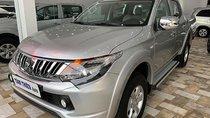 Bán Mitsubishi Triton 4x2 AT sản xuất 2015, màu bạc, xe nhập, xe gia đình
