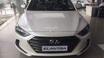 Giá xe Hyundai Elantra 1.6L AT, màu trắng 2018 xe mới 100%