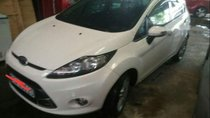 Cần bán Ford Fiesta AT 2013, màu trắng, giá chỉ 355 triệu