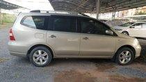 Cần bán gấp Nissan Livina năm 2011, màu vàng số sàn