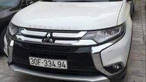 Bán Mitsubishi Outlander đời 2018, màu trắng còn mới