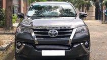 Vỡ nợ bán gấp Toyota Fortuner 2018 số tự động. Xe màu xám chì