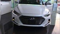 Cần bán Hyundai Elantra 1.6 AT 2018, màu bạc, giá 624tr