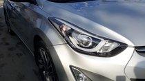 Cần bán gấp Hyundai Elentra 2014 màu bạc. Xe số động