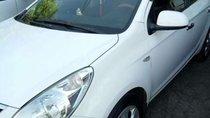 Bán Hyundai i20 năm sản xuất 2010, màu trắng xe gia đình, giá 320tr