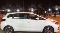 Cần bán xe Kia Rondo MT năm 2018, màu trắng, giá chỉ 620 triệu
