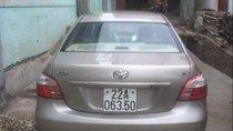 Cần bán lại xe Toyota Vios sản xuất 2013, màu bạc còn mới, giá tốt