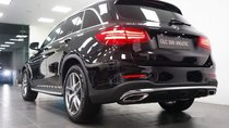 Cần bán xe Mercedes GLC 300 AMG đời 2018, màu đen