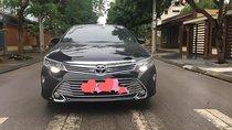 Bán Toyota Camry 2.0E 2018, màu đen chính chủ