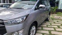 Cần bán Toyota Innova đời 2017, màu xám, giá chỉ 790 triệu