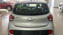 Hyundai I10 số sàn màu bạc xe giao ngay, giá KM cực hấp dẫn, hỗ trợ vay lãi suất ưu đãi. LH: 0903175312