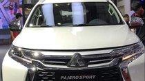 Bán Mitsubishi Pajero Sport 4x4AT 2018, màu trắng, nhập khẩu