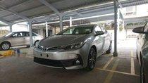 Cần bán Toyota Corolla altis sản xuất 2018, màu bạc