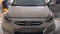 Cần bán Hyundai Accent 2014, màu bạc xe gia đình, giá 380tr