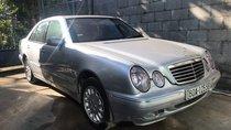 Cần bán lại xe Mercedes E240 đời 2001, màu bạc, nhập khẩu, 190tr