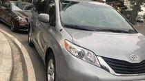 Cần bán lại xe Toyota Sienna đời 2011, màu bạc xe gia đình
