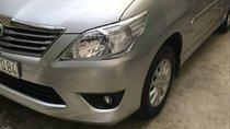 Cần bán gấp Toyota Innova sản xuất 2013, màu bạc, 580tr