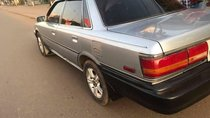 Cần bán xe Toyota Camry sản xuất 1988, màu bạc chính chủ