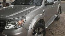 Cần bán Ford Everest đời 2010, màu bạc, xe nhập