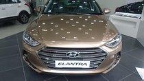 Bán Hyundai Elantra 2.0 AT sản xuất năm 2018, màu vàng, xe giao ngay giá cạnh tranh