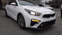 Cần bán Kia Cerato sản xuất 2018 màu trắng, giá 589 triệu mới 100%
