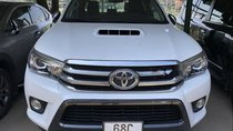 Bán Toyota Hilux 2015 số tự động, 2 cầu, đăng ký T11/2015, form mới
