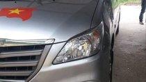 Bán xe Toyota Innova sản xuất năm 2015, màu bạc, giá 516tr