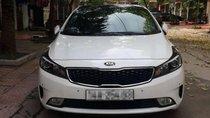 Cần bán xe Kia Cerato năm sản xuất 2017, màu trắng, giá tốt