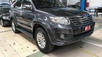 Bán xe Toyota Fortuner 2.7V đời 2013, màu bạc, giá thương lượng khi khách hàng xem mua xe