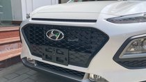 Hyundai Kona tiêu chuẩn màu trắng, xe giao ngay, giá Km kèm quà tặng hấp dẫn, hỗ trợ vay LS tốt. LH: 0903175312