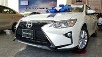 Cần bán Toyota Camry đời 2019, màu trắng giá cạnh tranh