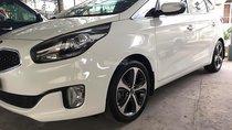 Cần bán Kia Rondo DAT 2015, màu trắng chính chủ, giá tốt
