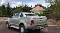Cần bán Toyota Hilux 3.0G 4x4 MT đời 2010, màu bạc, nhập khẩu