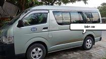Cần bán Toyota Hiace năm sản xuất 2011, màu xanh lam