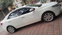 Bán xe Kia Forte sản xuất năm 2013, màu trắng chính chủ, giá tốt