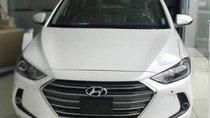 Bán ô tô Hyundai Elantra năm 2018, màu trắng
