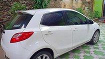 Gia đình cần bán Mazda 2 số tự động, máy xăng, màu trắng, odo 60068 km