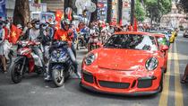 Ấn tượng những lần dàn siêu xe đổ bộ xuống đường phố Việt trong năm 2018