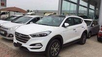 Hyundai Kinh Dương Vương bán Hyundai Tucson 2018 màu trắng + đen bản 2.0 máy xăng đặc biệt