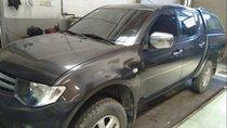Gia đình bán Mitsubishi Triton đời 2009, màu xám, xe nhập