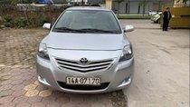 Cần bán gấp Toyota Vios E năm 2013, màu bạc như mới, giá 370tr