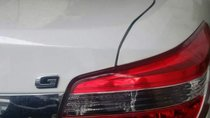 Cần bán gấp Toyota Vios đời 2018, màu trắng xe gia đình