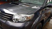 Bán Toyota Fortuner G đời 2015, màu xám