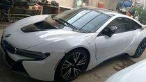 Chính chủ bán lại xe BMW i8 2014, màu trắng, nhập khẩu nguyên chiếc
